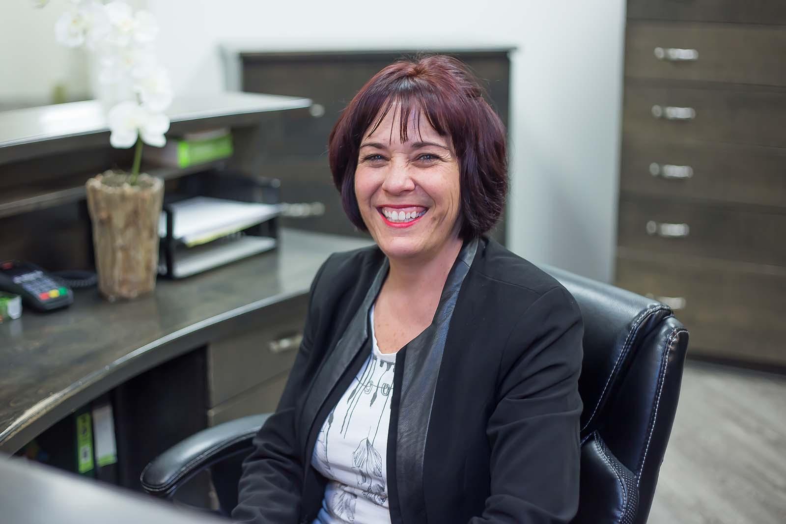 http://www.dentistedrummondville.com/wp-content/uploads/2015/12/Nathalie-gestionnaire.jpg